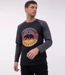 Camiseta Raglan com Estampa Califórnia Preto