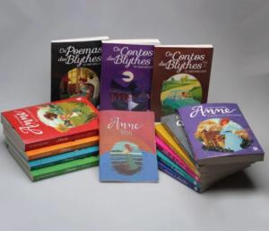 Kit Anne de Green Gables [13 Livros + Bloco de Anotações] | R$79