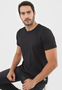 Camiseta Colcci Lisa Preta | R$79