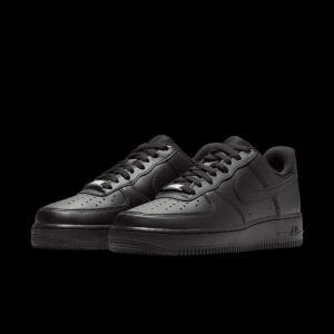 Tênis Nike Air Force 1 '07 Feminino | R$290