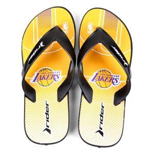 Chinelo NBA Los Angeles Lakers Rider Street Bold Ad Masculino - Amarelo e Roxo | R$ 25