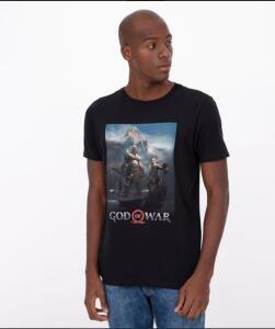 Camiseta Manga Curta com Estampa God Of War Preto   R$ 18