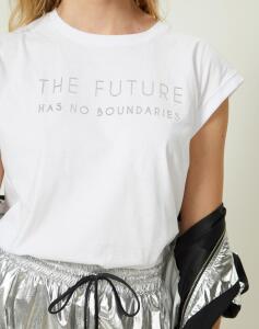 T-SHIRT SEM MANGA AMPLA FUTURE | R$35