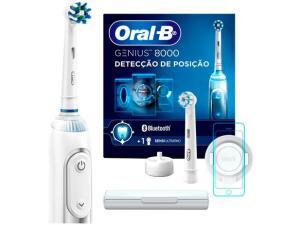 Escova de Dente Elétrica Recarregável Oral-B - Genius 8000 com Estojo de Viagem | R$474