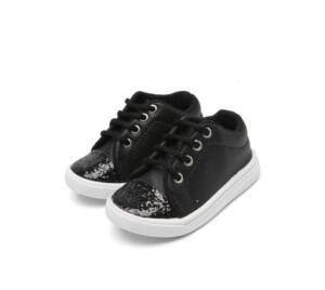 3 calçados infantis por R$ 89
