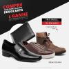 Compre Qualquer Calçado DEMOCRATA | Ganhe uma CARTEIRA